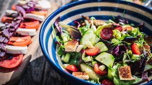 หยุดการกินสลัดที่ทำให้อ้วน - 10 วิธีการกินสลัด ที่ทำให้คุณอ้วนขึ้น
