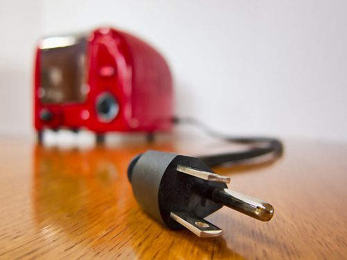 unplug-appliances_tips-saving-energy-home