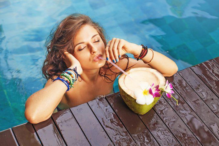 ประโยชน์ของน้ำมะพร้าว แก้เมาค้าง เมาแฮงค์ ได้แบบอยู่หมัด