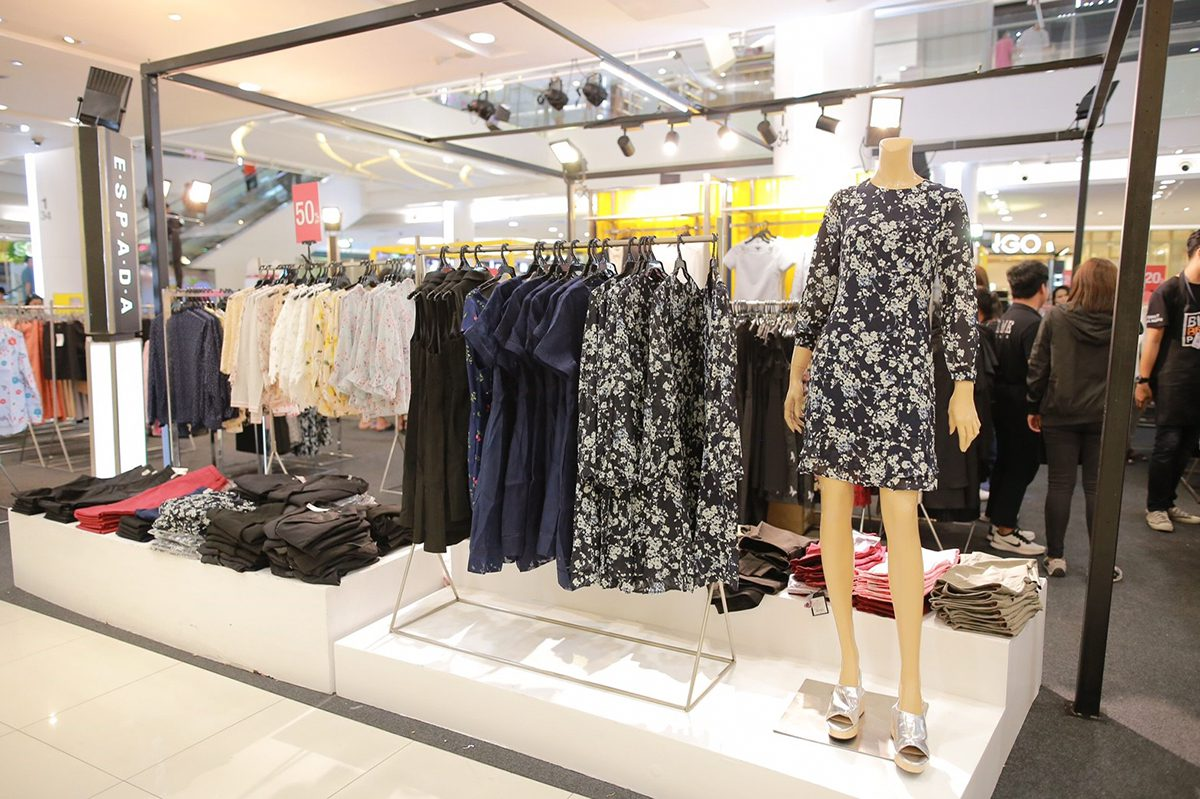 OUTLET POP-UP STORE