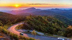ออกไปสัมผัส 25 เส้นทางมหัศจรรย์เมืองไทย กันเถอะ!
