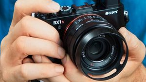 Sony เปิดตัวกล้องคอมแพ็คฟูลเฟรม  Sony RX1R ll มาพร้อมกับเซนเซอร์ 42.4 ล้าน