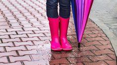 9 ไอเทมสุดชิค ที่สาวๆ ต้องมาดู หน้าฝนนี้ต้องพกอะไรติดกระเป๋าบ้าง!!
