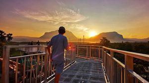 สะพานลอยฟ้า ชมดอยหลวงและดอยนางนอน แลนด์มาร์คใหม่ ที่ เชียงดาวกู๊ดวิว รีสอร์ท