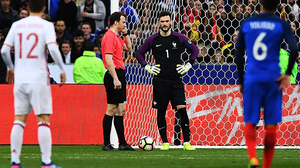 ชมกันชัดๆ!! กรรมการใช้ วิดีโอช่วยตัดสิน 2 เหตุการณ์สำคัญเกมอุ่นเครื่อง ฝรั่งเศส vs สเปน