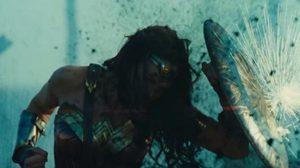 กัล กาด็อต ใส่เกราะใช้เชือกลุยข้าศึก ในคลิปตัวอย่าง Wonder Woman