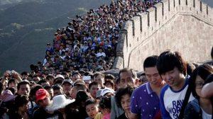 """วันหยุดยาวเสื่อมมนต์ ชาวจีน หนี """"รถติด-แออัด"""""""