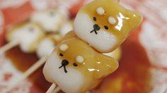 """น่ารักจนไม่กล้ากิน """"shiba-dango"""" (ดังโงะรูปหมาชิบะ) ราดน้ำเชื่อมมิตะราชิ"""