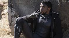 ง่วงบ้างอะไรบ้าง!! แชดวิก โบสแมน นั่งหลับตาระหว่างแถลงข่าวหนัง Avengers: Infinity War