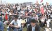 ชาวญี่ปุ่นประท้วงวันรัฐธรรมนูญ