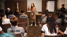 เรียกขวัญกำลังใจ! 'มาดามแป้ง' บุกแคมป์ชบาแก้วสั่งลืมเกมพ่าย 13-0 ศึก ฟุตบอลโลกหญิง 2019
