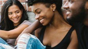 ผลวิทย์เผย! 7 พฤติกรรมที่ผู้ชายมักจะทำเมื่ออยู่กับผู้หญิง