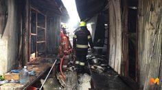 ไฟไหม้แคมป์คนงานบ้านพัก 20 ห้อง บาดเจ็บ 1 ราย
