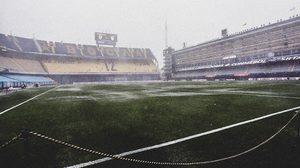 สนามบอลหรือทุ่งนา!? นัดชิงฯ โคปา ลิเบอร์ตาดอเรส เลื่อน หลังสายฝนสาดกระหน่ำ