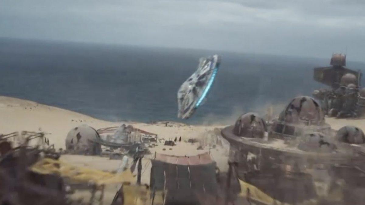 """แฟนปลื้ม """"ฮาน โซโล"""" อวดฝีมือขับยาน Millennium Falcon ครั้งแรกในคลิปใหม่"""