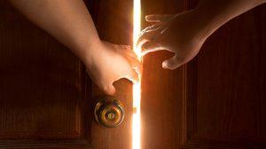 5 วิธีดูแล บานประตู และหน้าต่างให้ยืดอายุการใช้งาน