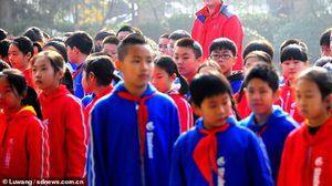 สูงที่สุดในชั้นเรียน Zhang Ziyu เด็กประถมจีน ที่มีความสูงถึง 210 เซนติเมตร