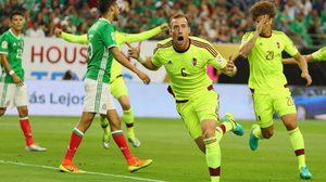 เก่งเมื่อสาย! จอมโหดรัว 3-0 แต่ตกรอบอยู่ดี, จังโก้ 1-1 กอดคอเวเนฯ ไปต่อ โคปา อเมริกา 2016 กลุ่มซี