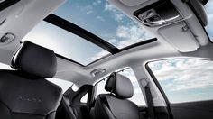 Hyundai เจ้าแรกของโลก กับการติดตั้งถุงลมนิรภัย พาโนรามิค ซันรูฟ