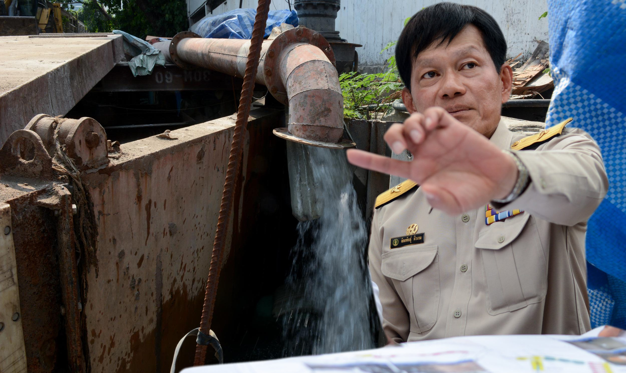 รองผู้ว่าฯ กทม. ลุยตรวจโครงการปรับปรุงบ่อสูบน้ำถนนเพชรบุรี