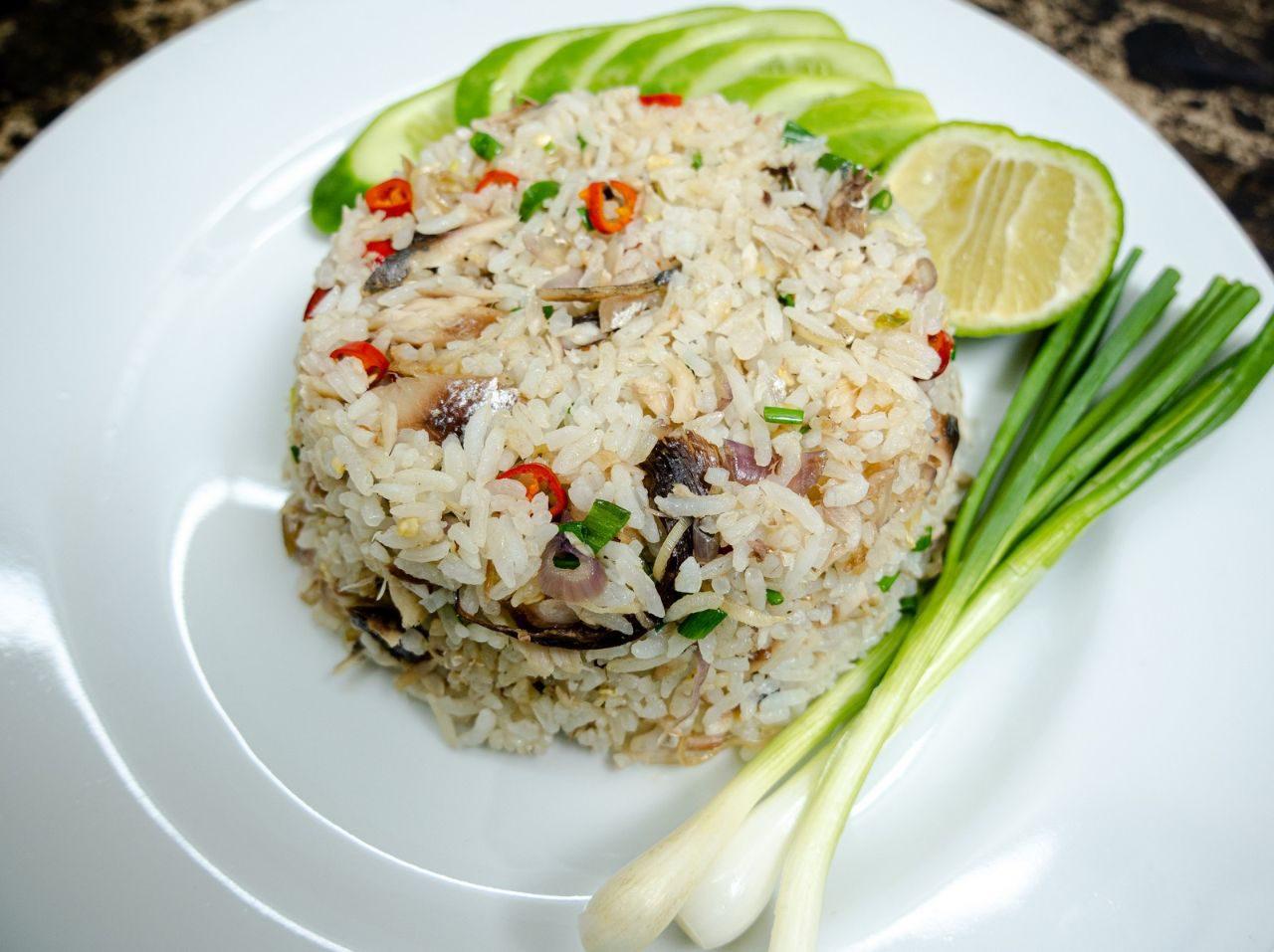 ข้าวผัดปลาทูทอด อาหารจานเดียว ทำขายก็ได้ ทำกินก็อร่อย ทำง่าย อร่อยด้วย
