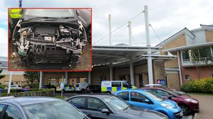 โจรใจทราม!! ขโมยฝากระโปรง รถยนต์ กลางวันแสกๆ ในโรงพยาบาลประเทศเวลส์