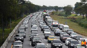 แน่นทุกเลน! ถนนสายเอเชียรถติดแถวยาวมีอุบัติเหตุ