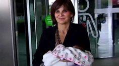 รอยยิ้มของคนเป็นแม่! คุณแม่วัย62 ให้กำเนิดลูกสาว สุขภาพแข็งแรง น่ารัก