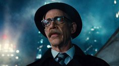 นอกจากหนัง Justice League แล้ว แฟน ๆ จะได้เห็น เจ.เค. ซิมมอนส์ เป็น เจมส์ กอร์ดอน อีก