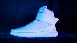 Nike Swoosh Hunter แฟชั่นรองเท้าดีไซน์จากอนาคต