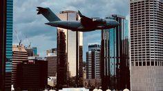 กองทัพอากาศออสเตรเลีย นำเครื่องบินทำการบินผ่ากลางเมือง