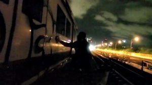 รฟม.แจง คลิปฝรั่งมือบอน พ่นสีขบวนรถไฟฟ้า MRT