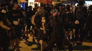ประท้วงฮ่องกงเดือด ม็อบใช้ระเบิดเพลิงปะทะตำรวจ นัดชุมนุมใหญ่ 1 ต.ค. นี้