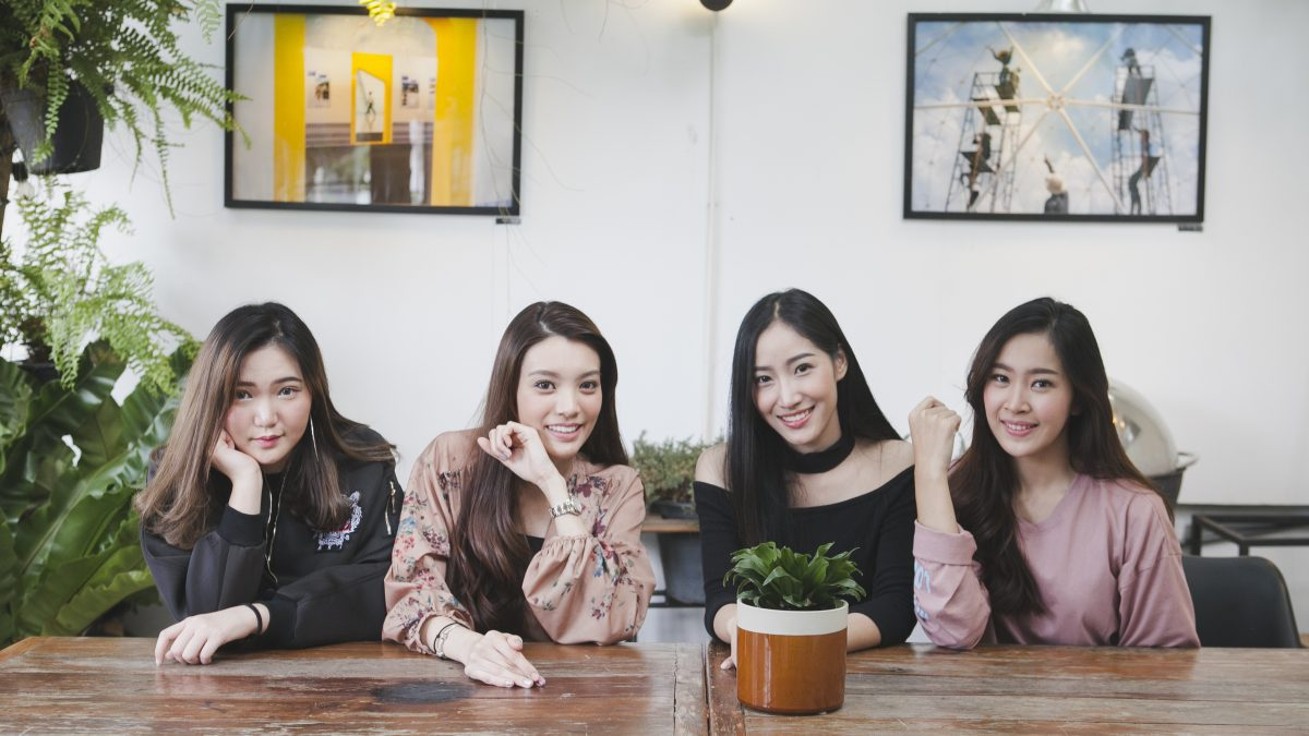 สาวๆมหาลัยแนะนำร้านน่านั่งย่านเมืองทองธานี