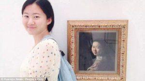 บังเอิญอะไรขนาดนั้น! เมื่อนักเรียนญี่ปุ่นเที่ยวชมพิพิธภันฑ์ แล้วเจอภาพคล้ายเธอแบบนี้