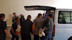 ญาติเข้ารับศพลูกชาย 'พลเอกพัลลภ' พลัดตกลานจอดรถห้างดัง