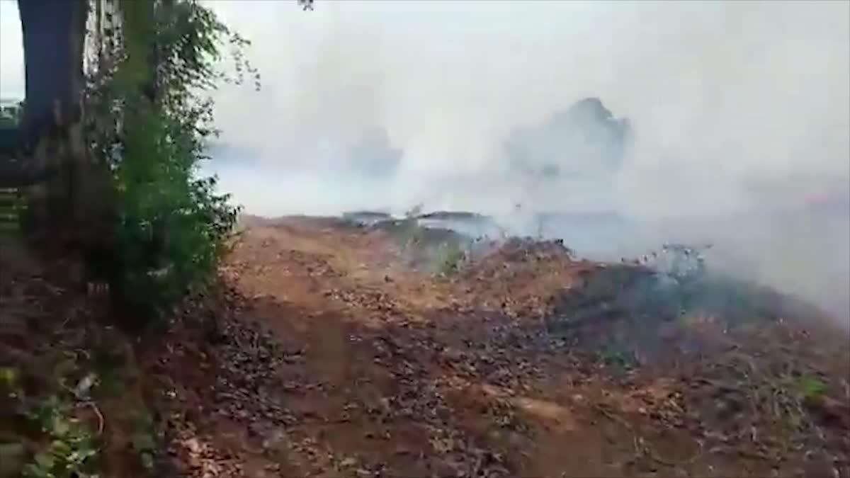 อ.บ้านไผ่ยังไม่หยุดเผา ต่อเนื่องเข้าวันที่ 5 ไฟไหมลุกลามร่วมพันไร่
