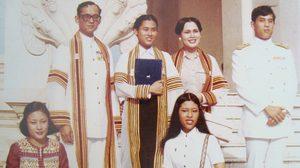 ภาพประทับใจ ในหลวงรัชกาลที่ 9 และสมเด็จพระเทพฯ ในวันรับปริญญา