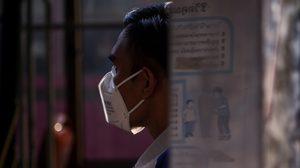 ผู้ว่าฯ อัศวิน เตือนให้สวมหน้ากากป้องกันฝุ่น งดกิจกรรมกลางแจ้ง