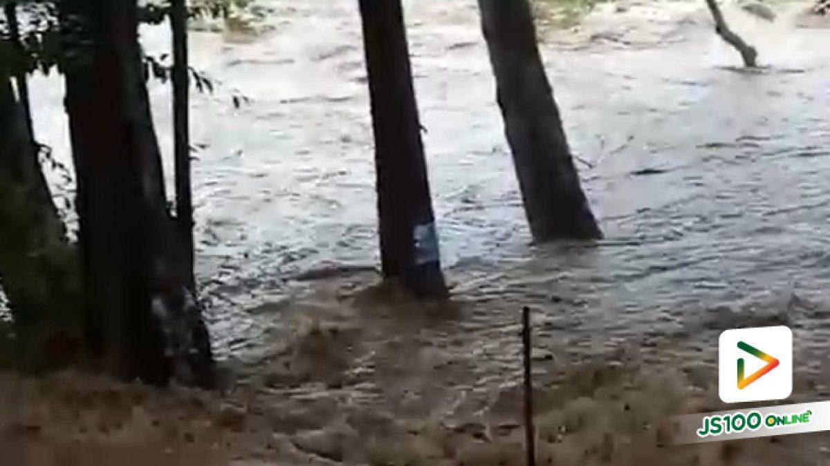 น้ำป่าไหลหลากลงน้ำตกแก่งซอง จ.พิษณุโลก หลังเกิดฝนตกหนัก จากพายุโพดุล