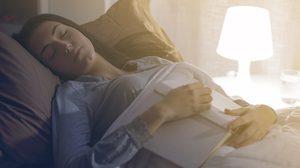 รวมสารพัดวิธี แก้อาการนอนไม่หลับ ลองทำตามดู รับรองหลับสบายยันเช้า!!