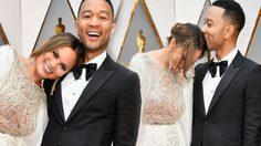 ปังทุกงาน! ชมท่าโพสต์สะบัดชายกระโปรง บนพรมแดง Oscars ของคู่รัก คริสซีย์ ไทเจน – จอห์น ลีเจนด์