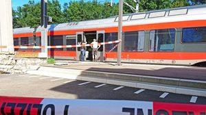 หนุ่มคลั่งจุดไฟบนรถไฟสวิสฯ ก่อนใช้มีดทำร้ายผู้โดยสาร เจ็บกว่า 6 ราย