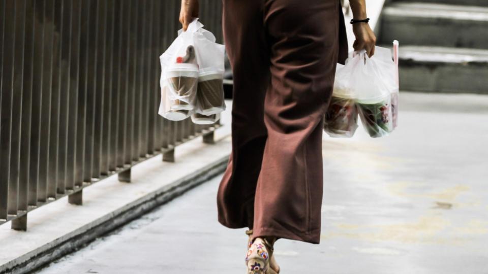 ครม. เห็นชอบ งดร้านค้าใช้ถุงพลาสติก เริ่ม 1 ม.ค. 63