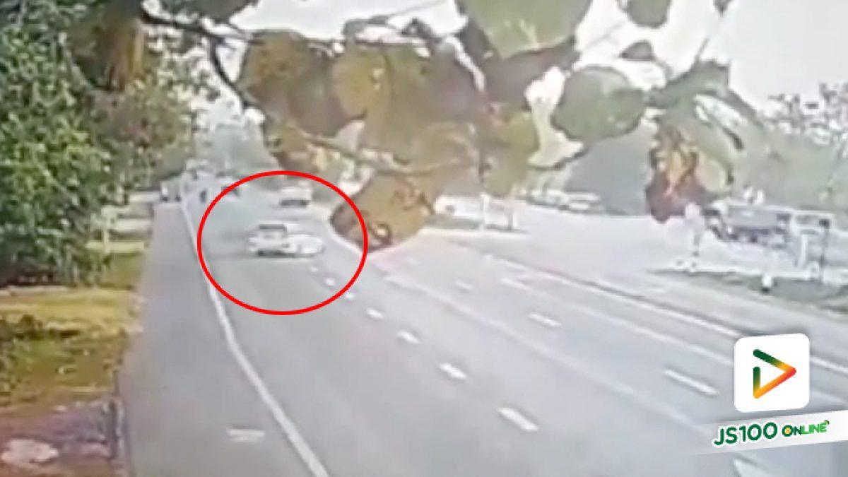 เก๋งสีขาว ขับตัดหน้ารถบรรทุกหกล้อ ตาย 1 บาดเจ็บ 3 (20/1/63)