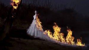 สายเปย์ตัวจริง! เจ้าสาวยอมจุดไฟที่ชุด เพื่อ ภาพพรีเวดดิ้ง ที่แปลกไม่เหมือนใคร