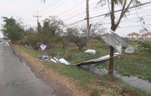 พายุพัดถล่มป้ายหาเสียงเสียหายกว่า 100 ป้าย