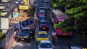 คนลาดพร้าวทำใจ! รถติดหนัก หลังยกเลิกทางพิเศษ สร้างรถไฟฟ้าสายสีเหลือง 3 ปี