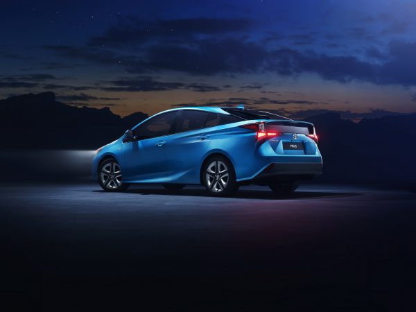 Toyota Prius AWD-i 2019
