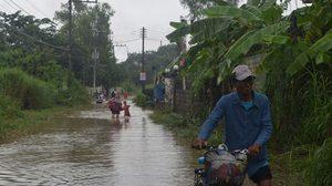เมืองโคราชอ่วม! น้ำท่วมบ้านเรือนกว่า 200 หลังคา หลังฝนตกหนักต่อเนื่อง